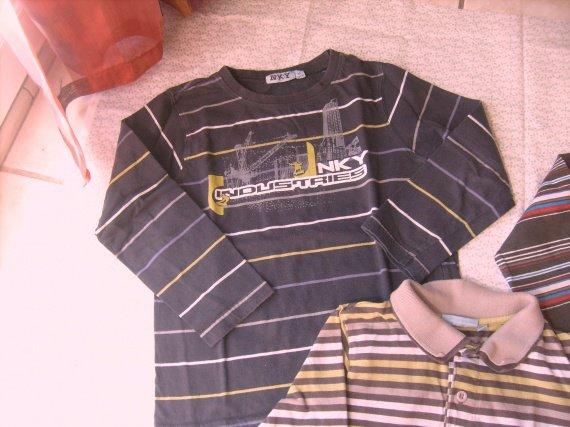 tee-shirt ML nky rayé gris ,tb.etat ,6 ans , 1 € 50.