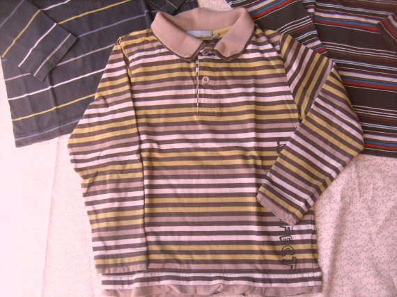 tee-shirt ML nky rayé marron vert ,tb.etat ,6 ans , 1 € 50.
