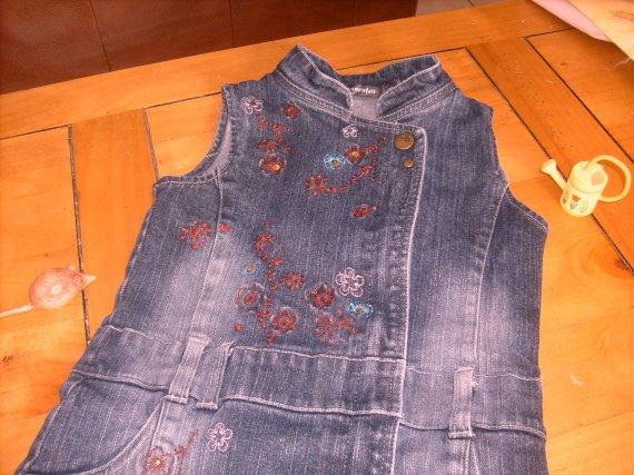 détails robe ,TCF , 3€60 .