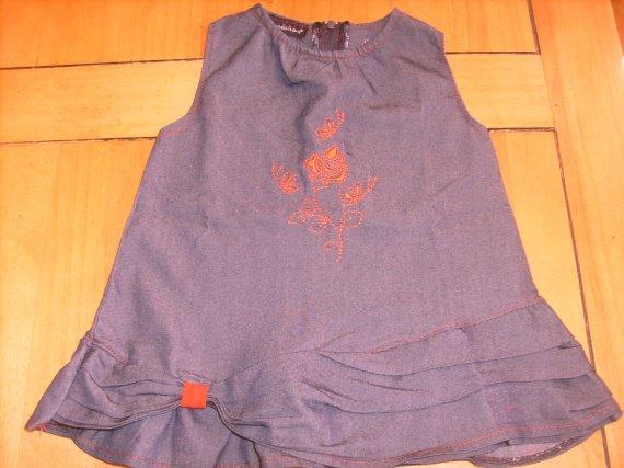Robe (ou tunique à porter avec des leggins ) , 9 mois ,TBE, 4 €.