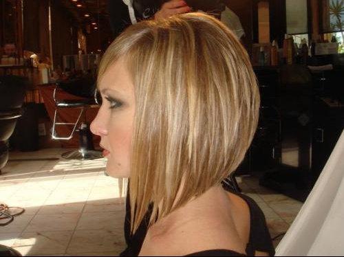 Carre plongeant blond