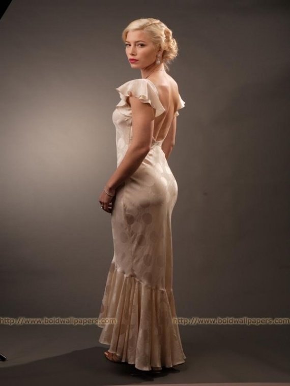 Jessica Biel is Nippy at Easy Virtue Photoshoot_4_