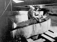 1306532_5_a842_excavation-du-sarcophage-de-toutankhamon-apres