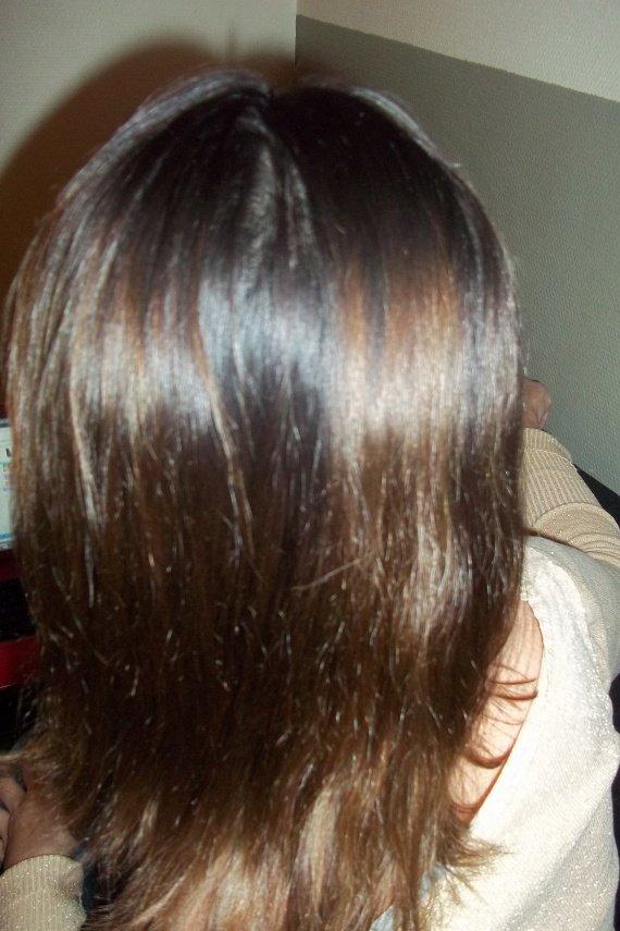 Le moyen de la chute des cheveux sim