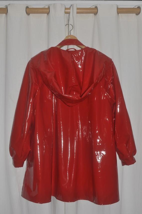 Trench vinyl rouge Ledapol