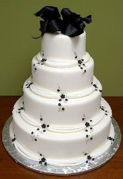 91209_402213692_black-and-white-cake_H232236_L