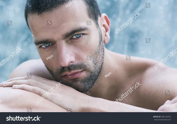 beautiful-eyes-380126293
