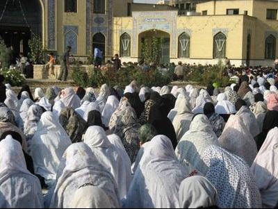 priere de femmes voile blanc