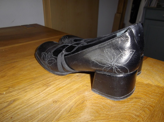 Chaussures MINELLI taille 40 25 euros