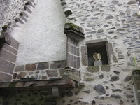 Salers, ancienne cheminée--- et bouc