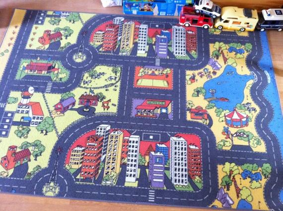 Elegant tapis enfant route l 39 id e d 39 un tapis de bain for Tapis circuit design