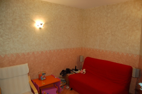 Quelle couleur pour mes meubles besoin d 39 avis d coration forum vie pratique for Peinture salon maroc violet