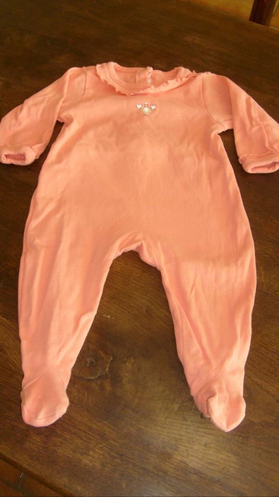 6 mois pyjama / 1,50 euros