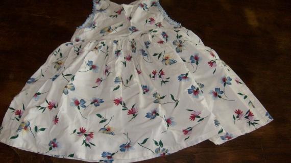 robe fleurs 18 mois / 1,50 euros