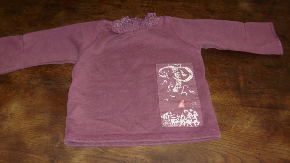 pull violet 24 mois - 1,50 euros