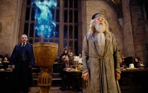 Jeu des images (version HP) - Page 4 Photos-officielles-dumbledore-croupton-second-img