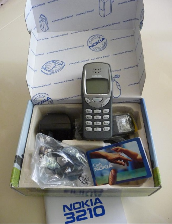 Téléphone Nokia 3210