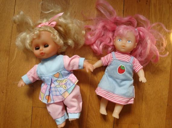 Lot de 2 poupées