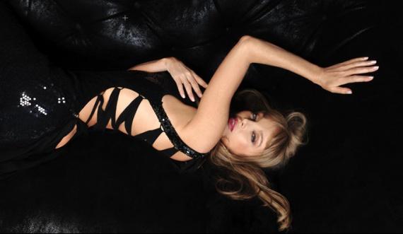 4-photos-conso-mode-Arielle-domsbale-Arielle-Dombasle-beaute_articlephoto