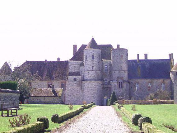 Château de Piffonds dans l'Yonne