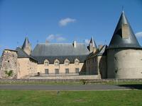 Château de Villeneuve-Lembron dans le Puy-de-Dôme