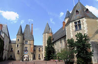 Château des Stuarts dans le Cher