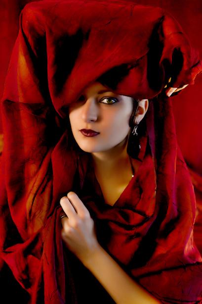 Belle femme en rouge....Belle femme en rouge....