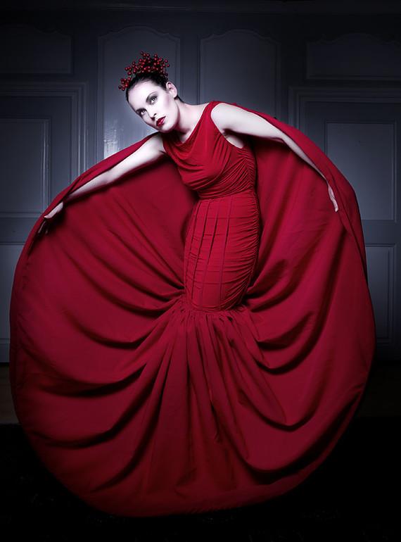 Belle femme en rouge....