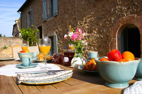 table-dhotes-petit-dejeuner-terasse