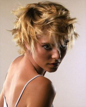 Sisicaline » photos » coiffures dames (court &; très court