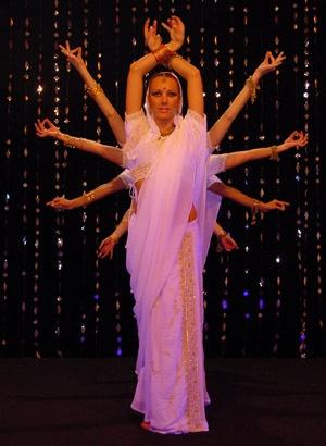 0201-2-danseuses-indiennes-bal-boll[1]