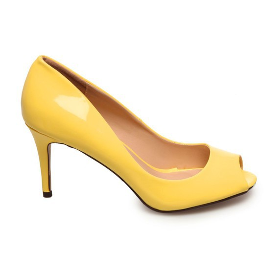 escarpins-classiques-vernis-jaune