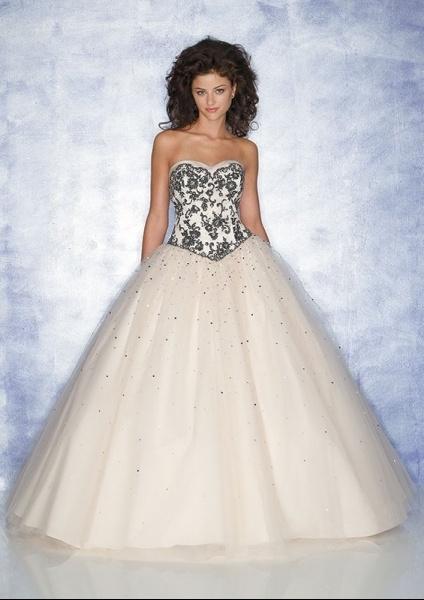robe blanche et noire (2)