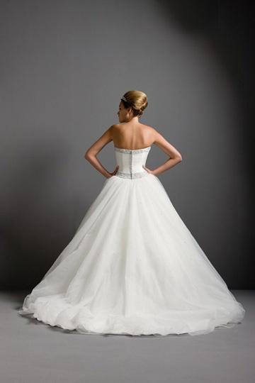 ПЫШНЫЕ свадебные платья с открытой спиной фото.
