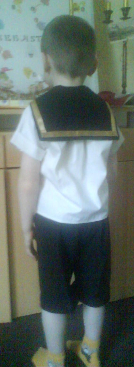 garçon1 chemise trop courte
