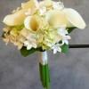 Bouquet mariée arums, bouvardia et hortensai