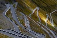4-Stelvio-pass-Italy
