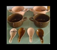 4 GRANDES TASSES + CUILLERES ASSORTIES