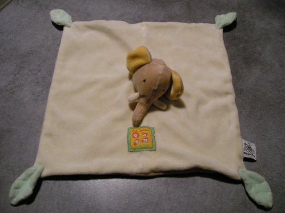 MOULIN ROTY - loustics - éléphant -plat beige -