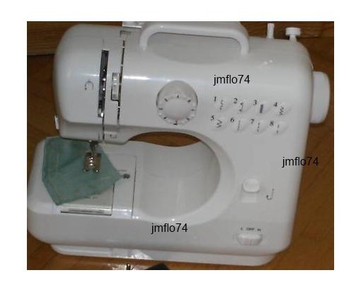 Mini machine à coudre NEUVE