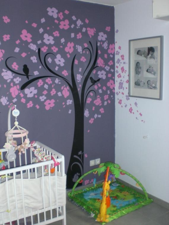Chambre fille ton violet rose chambre de b b forum for Peinture chambre fille rose violet