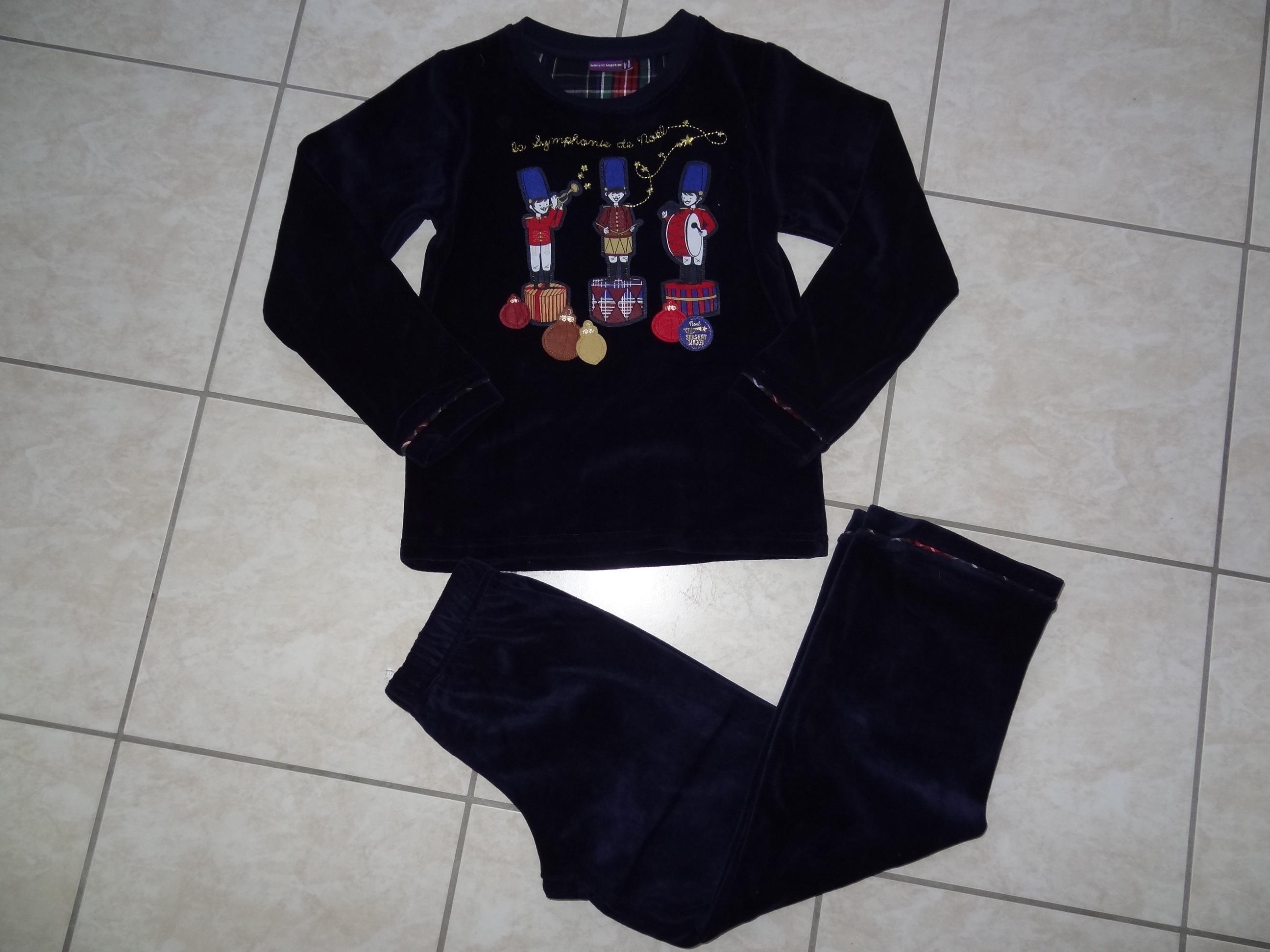 ae01610aeda87 Sergent major les pyjamas rêveurs de noël 8 ans. Alerter les modérateurs  Voir l image au format original