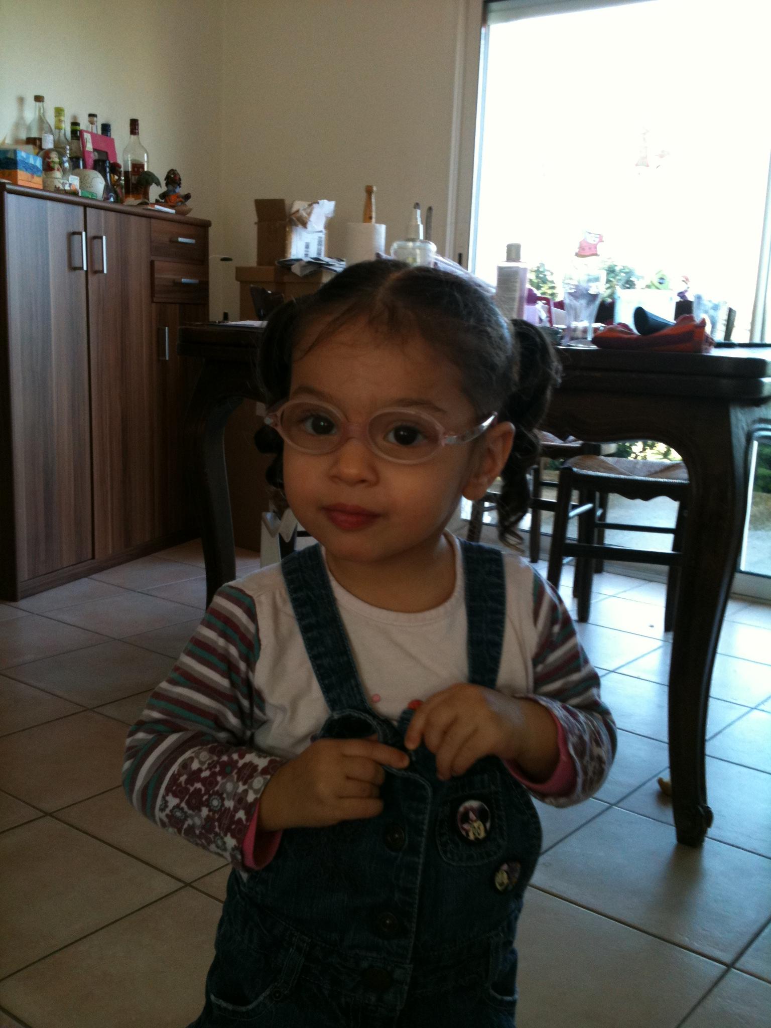 265edfbc06532b Ma puce va avoir des lunettes.... - Bébés de juillet 2009 - Bébés de ...