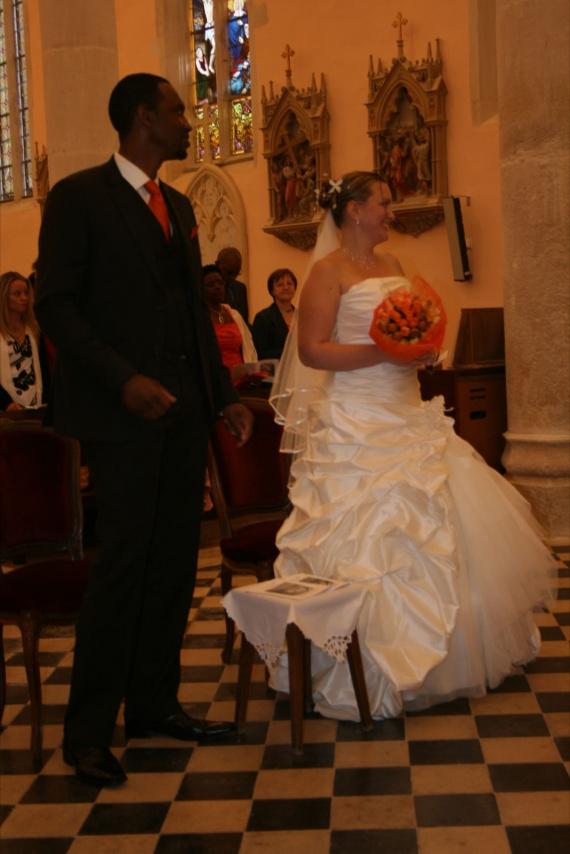 Mariés à l'église2