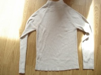 pull beige  taille 2  1 €