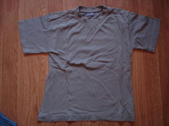 tee shirt kaki 1€