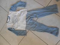 pyjama bleu clair 2€