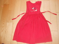 robe velours rouge 3€