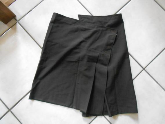 jupe marron assymétrique taille 40  2€
