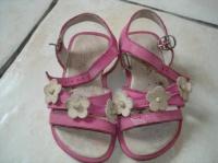 sandalettes pointure 24       5 €